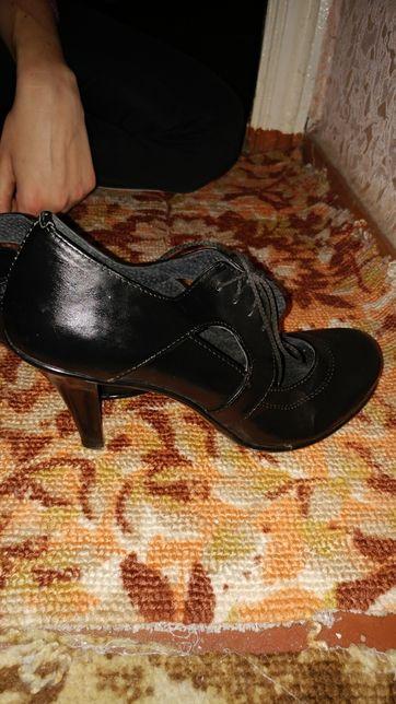 Шкіряні Туфлі в гарному стані