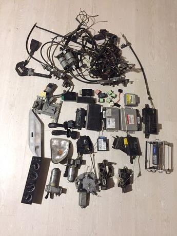 Запчасти BMW 7 E38 блоки/проводка/ бензонасос/ пластик и т.д