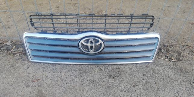 Grill Toyota Avensis