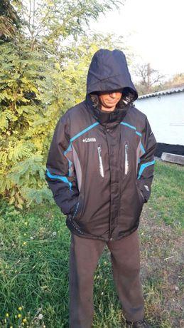 Продам зимнюю куртку Columbia