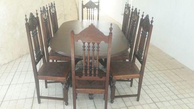 Mesa de jantar com 8 Cadeira