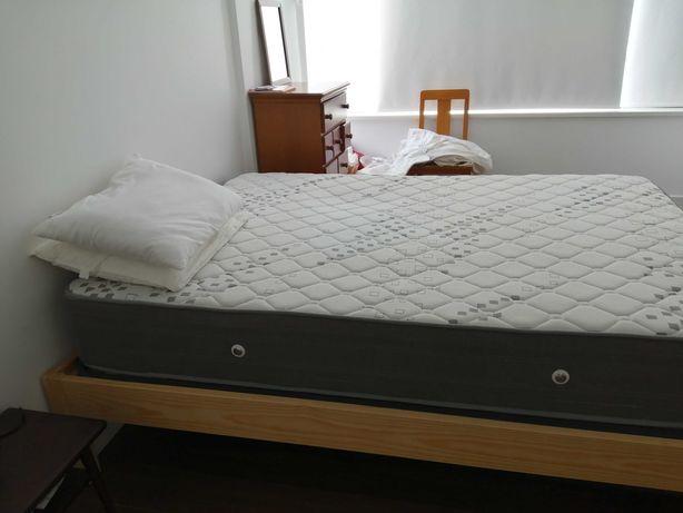Colchão Premium Spring da Casa do Sono e estrado de madeira maciça