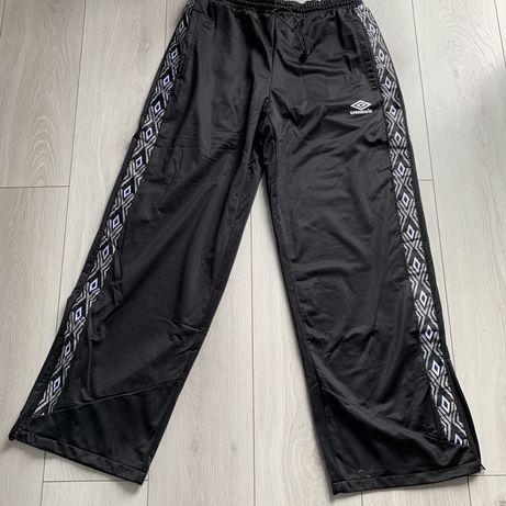 Umbro spodnie dresowe r. L nowe