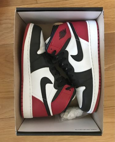 Nike Air Jordan 1 Retro High OG red