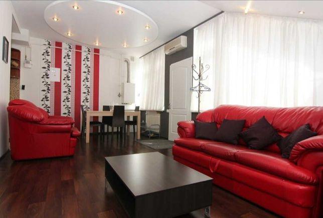 Центр.ул. Бунина Кухня-студия и две раздельные спальни