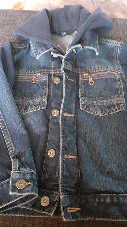Jeansowa chlopieca kurtka w rozm.122.
