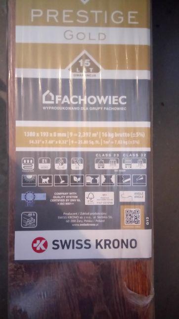 Panele Dąb Comodo Swiss Krono AC4 8mm 7,2m2