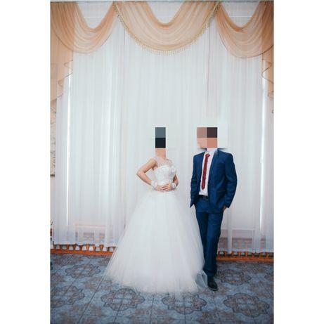 Костюм свадебный или выпускной