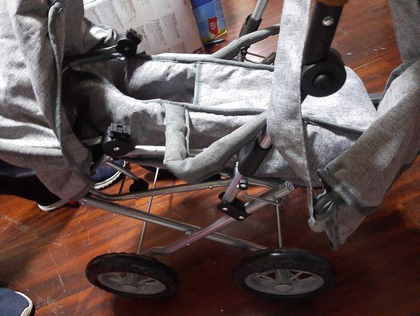 Carrinho bebé e acessórios para boneca ou Bebé Reborn