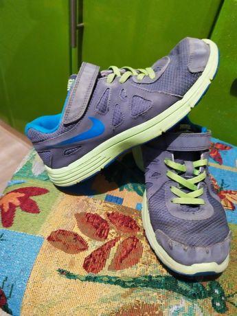 Кроссовки Nike 22см мальчику
