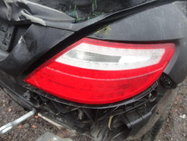 Lampa prawa tył Mercedes slk w172 Inne części 2012