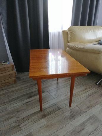 Столик в хорошем состоянии