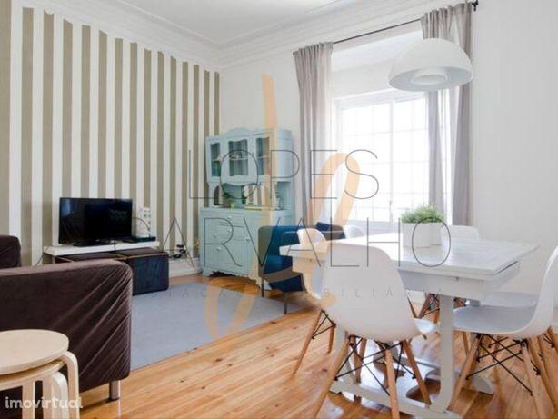Apartamento T3 +1, remodelado no Bairro das Colónias