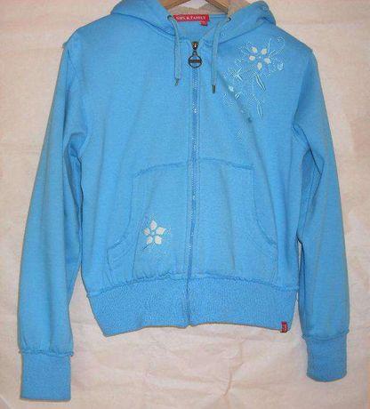Niebieska błękitna bluza z kapturem, piękna bluza