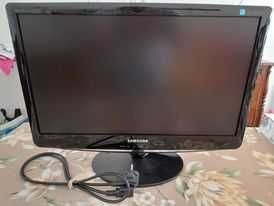 monitor samsung 52 x 33 cm