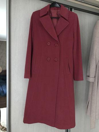 Классическое стильное пальто.