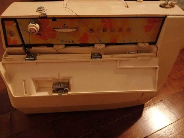 Máquina de costura Singer starlet, anos 70