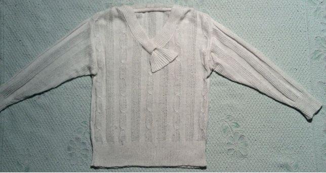 Белая шерстяная кофта размер 50. Сделано в Югославии.