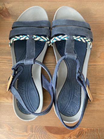 Sandały Clarks rozmiar 38 Tealite Grace Navy