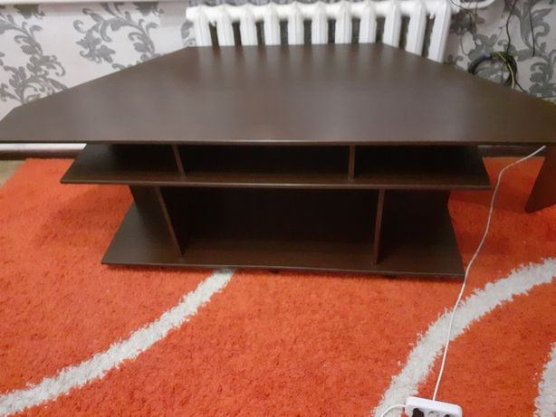 Журнальный столик, стол под тv
