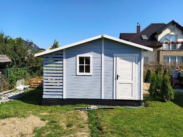 Domek z drewutnią