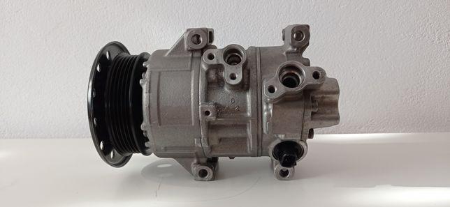Kompresor klimatyzacji Toyota Avensis Corolla 2.0 D4D