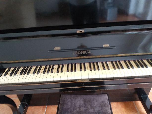 """Pianino """"Legnica"""" - do sprzedania"""