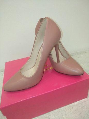 Продам туфли (лодочки)