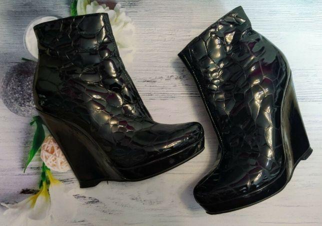 Ботинки лак на платформе