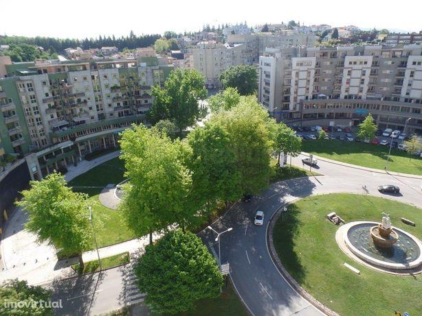 Apartamento T4 Duplex com terraço.