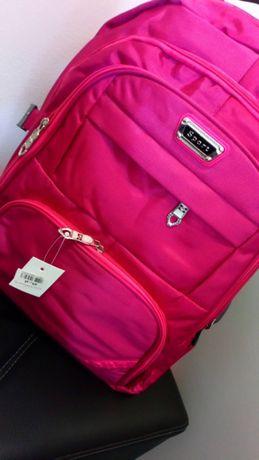 Nowy plecak różowy do szkoły na wycieczkę duży i pojemny 4 kieszenie