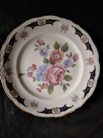 Prato de porcelana Alcobaça