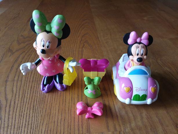 Figurki myszki Minnie z samochodem i różnymi nakryciami głowy (Cz-wa)