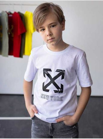 Модная детская футболка с принтом