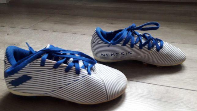 Buty piłkarskie korki marki adidas rozmiar 30
