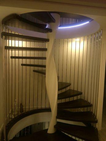 Лестница в дом и квартиру