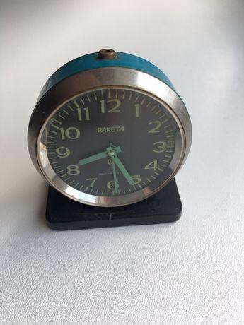 Часы-будильник Ракета 3871 Сделано в СССР