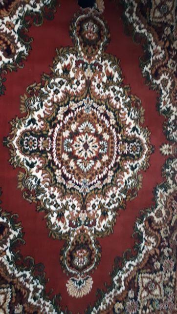 Красивый современный ковёр
