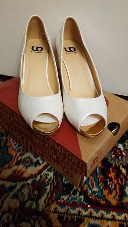 Туфли, туфельки женские
