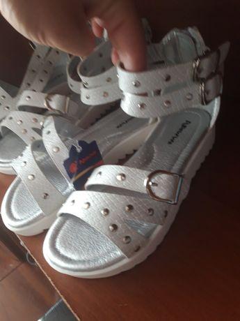 Босоножки,сандали для двойни