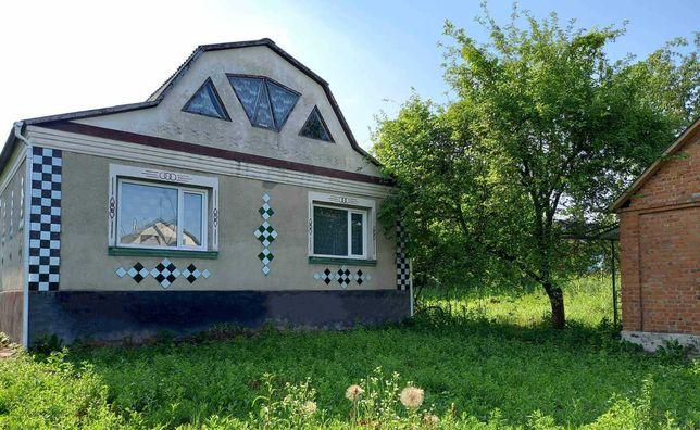 Продається будинок в Деражні, Хмельницька область.