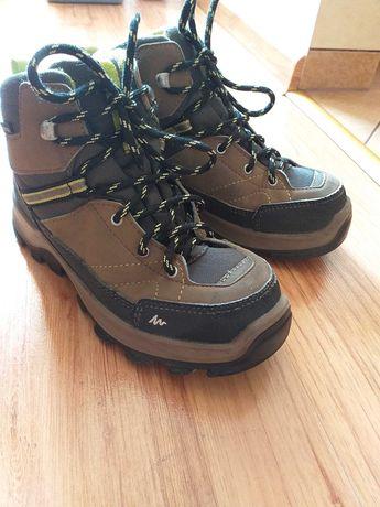 Buty zimowe chłopięcec Quechua rozm. wkładki 21,5 cm w dobrym stanie
