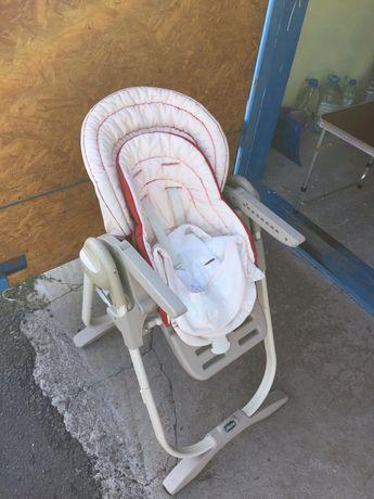 Продам стул для кормления Чико