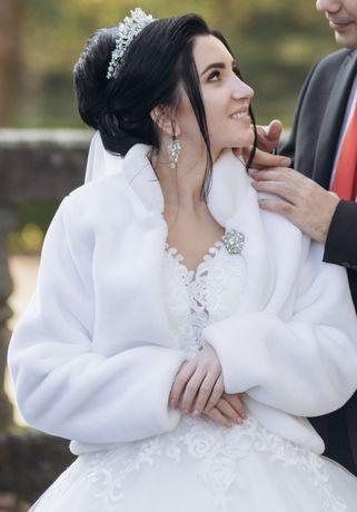 Продам весільну шубку