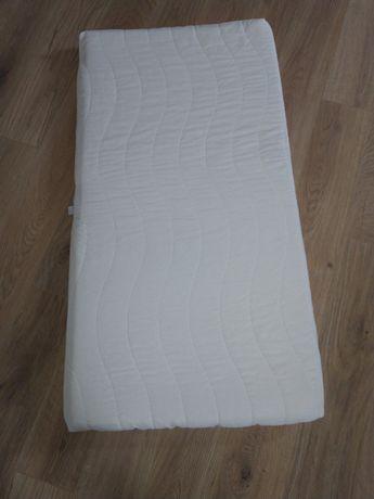 Materac lateksowy 60x120x10 mało używany