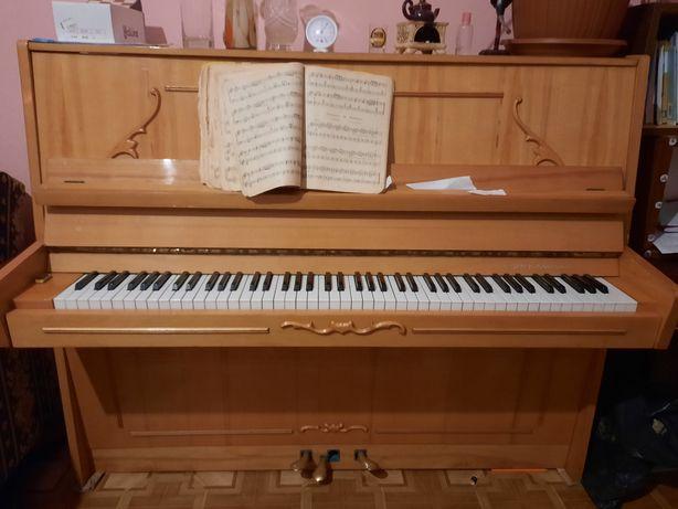 Пианино продам недорого, рабочее