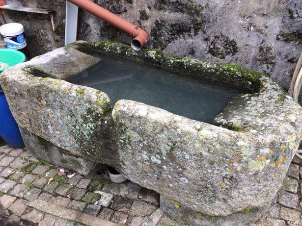 Tanque em pedra - Antiguidade