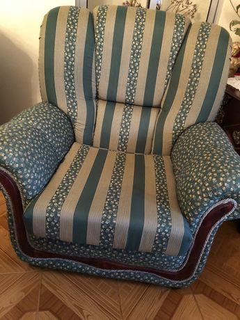 Vendo 2 sofas em tecido impecáveis! Rigorosamente novos