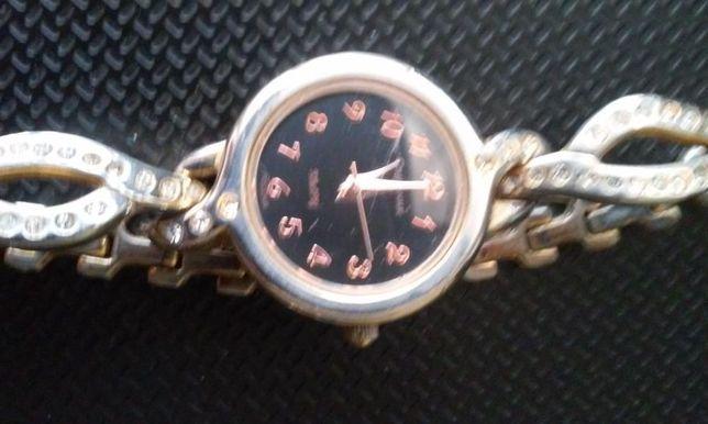 """женские наручные кварцевые часы """"спутник"""""""