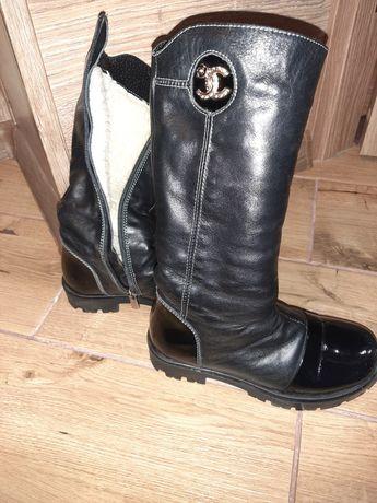 Шкіряні високі чобітки чорні